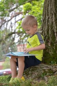 Діти пізнають світ через книги